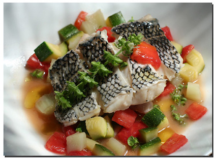 Steamed black bass with zuchini and fennel recipe for Bass fish cooking